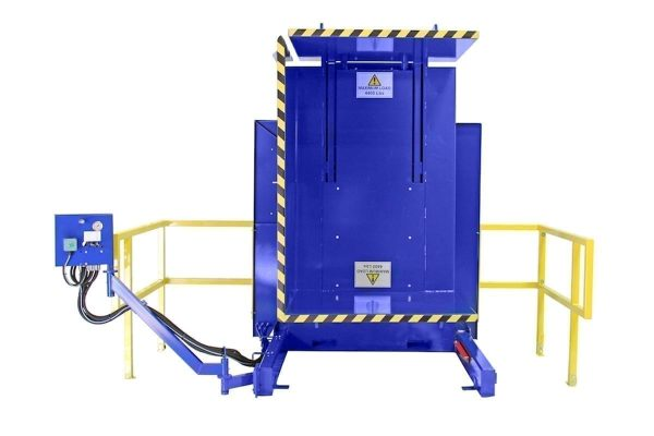 4. Single Clamp FS1900 Lever Control with Standard Guarding Pallet Inverter