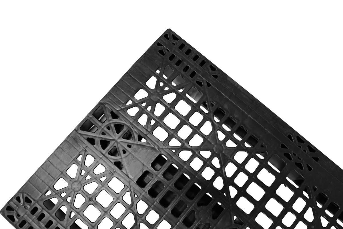 Black Stackable Pallets