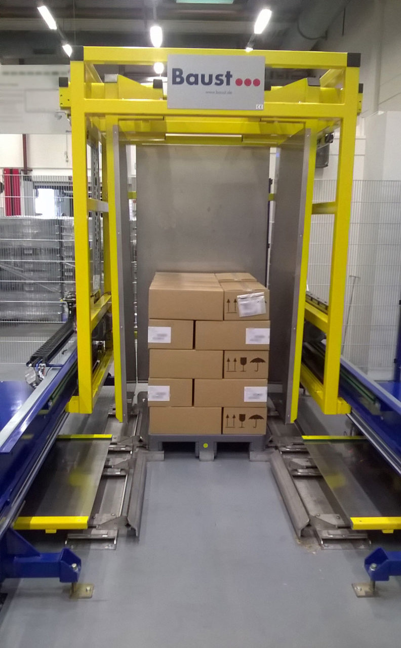 Pallet Changer With Boxes